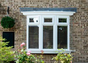 white PVCu bay window 3 panel glas