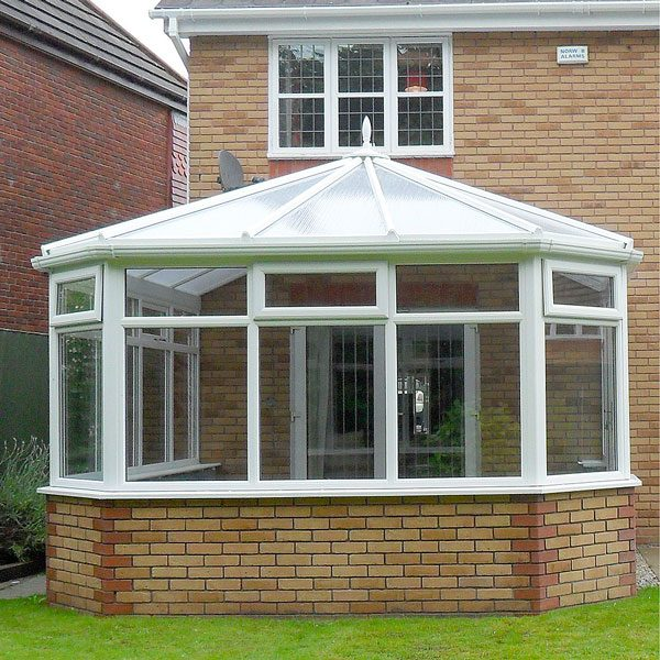 Conservatory Designs With Polycarbonate Roof